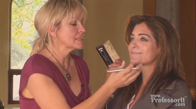 Beauty Tips On Video 2: Full Lips Make-up